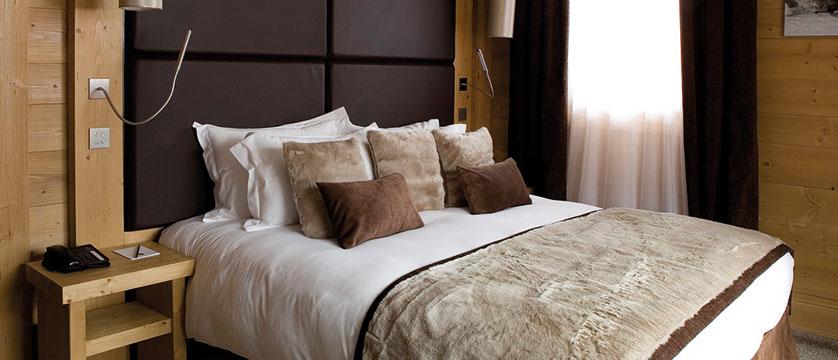 france_three-valleys-ski-area_meribel_hotel-kaila_prestige-suite.jpg